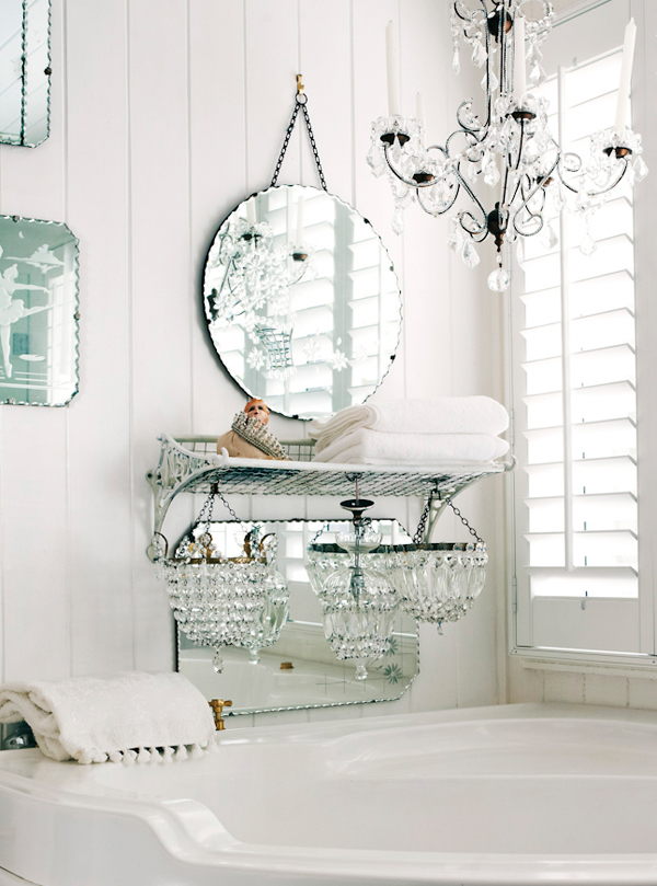 shabby chic, interior design, bathroom, mirror