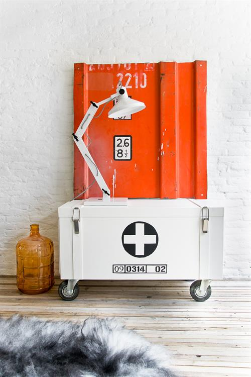 hkliving_industrial_Storage_chest_02